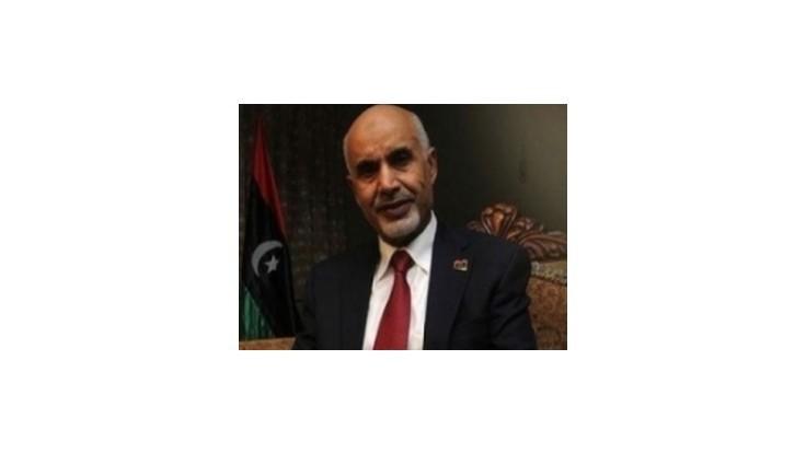 Na líbyjského prezidenta strieľali v púštnej oáze