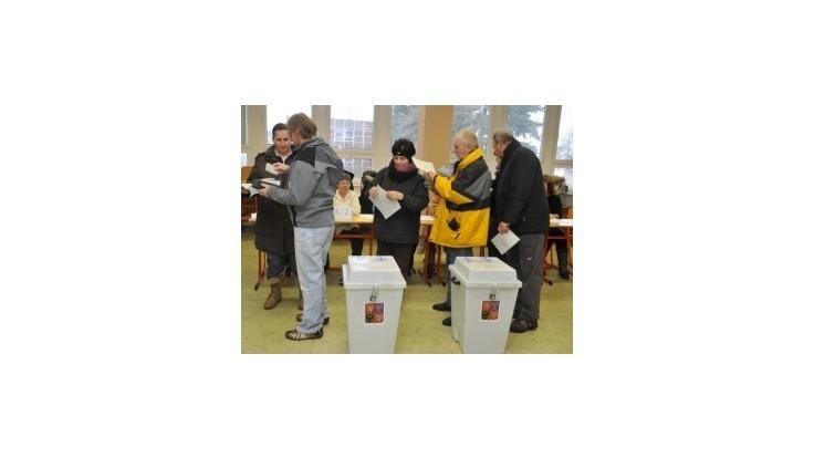 Voľba prezidenta ČR: Je dohlasované,  začalo sčítavanie hlasov