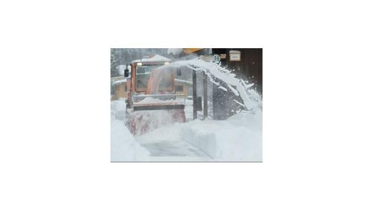 Na Slovensku sa môže tvoriť hmla aj snehové záveje