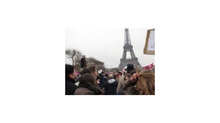 Proti homosexuálom demonštrovali státisíce Francúzov
