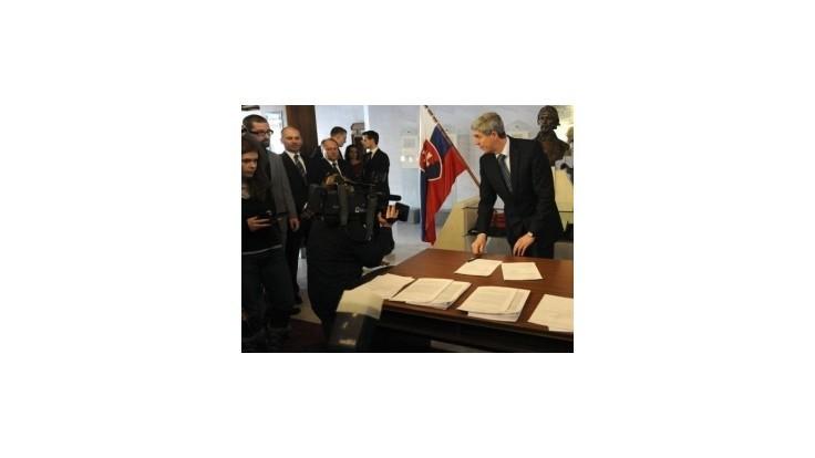 Opozícia podala návrh na obžalobu prezidenta Gašparoviča