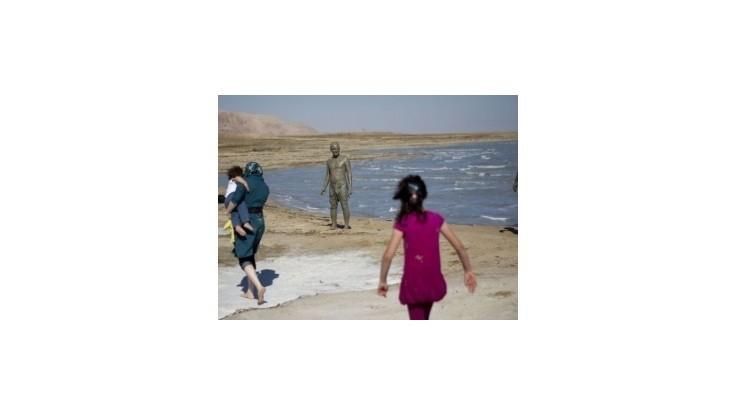Prepoja vysychajúce Mŕtve more s Červeným morom?