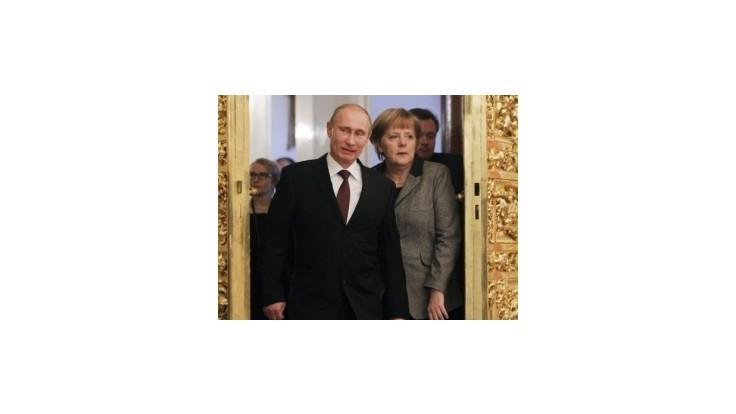 Výborná ruština mladej Merkelovej rozzúrila komunistov