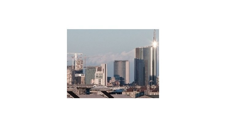 Mrakodrapmi v Miláne otriaslo zemetrasenie