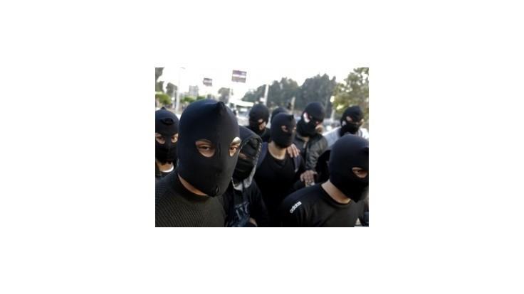Strety demonštrantov s políciou si v Egypte vyžiadali štyri životy