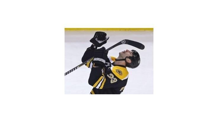 Chára rozhodol o víťazstve Bruins nad NY Islanders