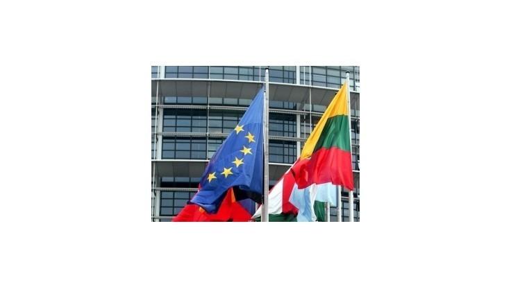 Brusel rieši sťažnosť Maďarov na slovenský zákon