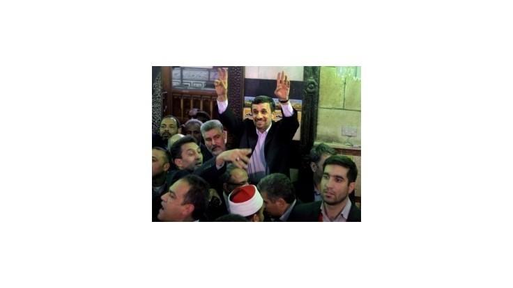 Na Ahmadínedžáda zaútočili v Káhire topánkou