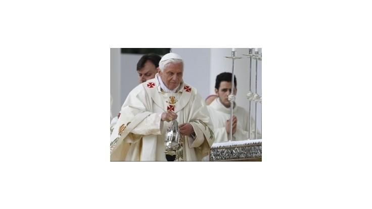 Pápež Benedikt XVI. rezignuje na svoj úrad