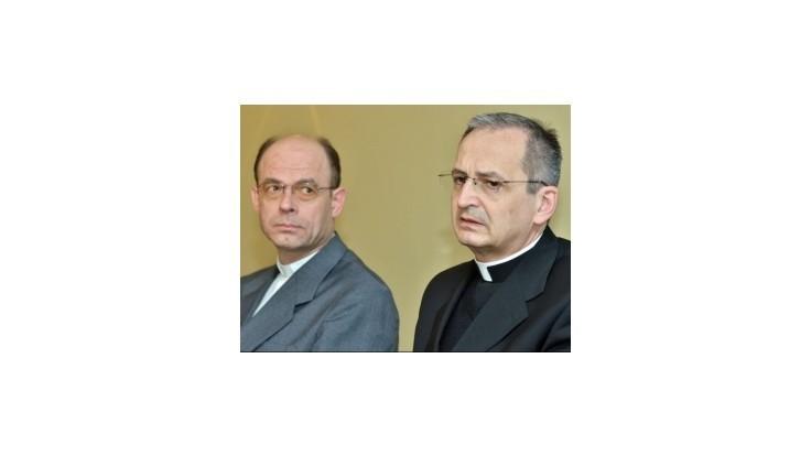 Biskupi sú prekvapení, rozhodnutie pápeža rešpektujú