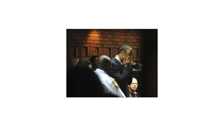 Pistorius zostáva vo väzbe, skončil v slzách