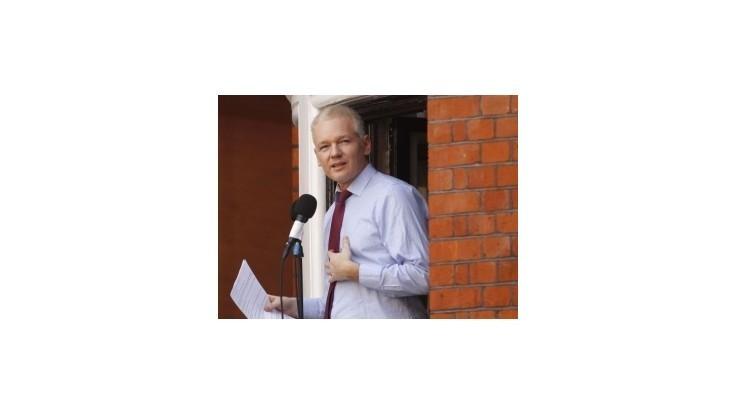 Assange sa chce vyslobodiť ziskom poslaneckého kresla