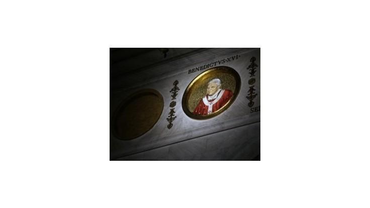 Kardinál z Peru: Novým pápežom sa môže stať aj biskup