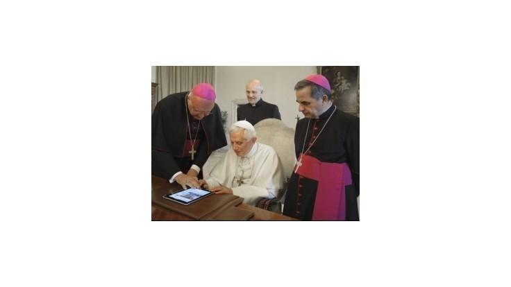 Pápež urobil zmeny v kánonickom práve, aby sa konkláve začalo skôr