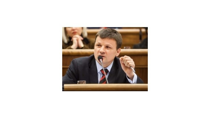 Poslanec Hlina chystá web so živými zábermi z parlamentu