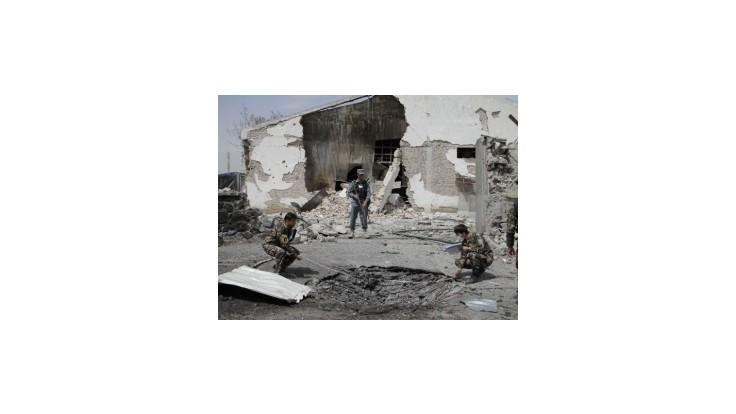Taliban vyhodil do vzduchu štyri školy