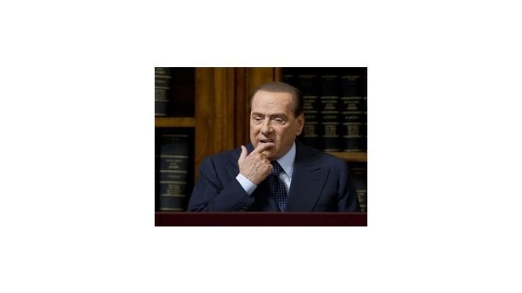 Súdni lekári tvrdia, že Berlusconi sa mohol zúčastniť na pojednávaní