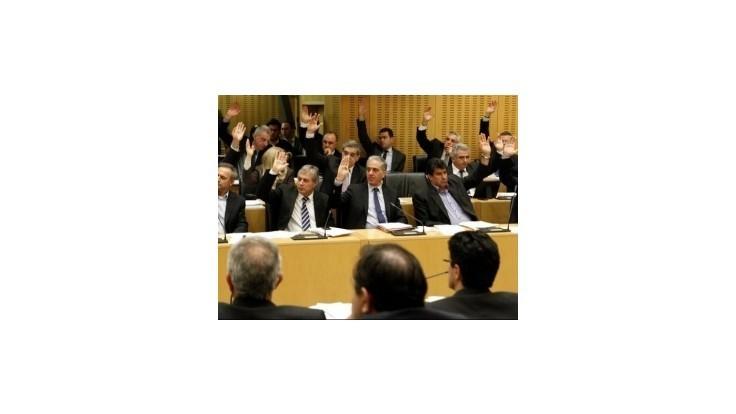 Cyprus šetrí, prezident si znížil plat o štvrtinu, vláda o pätinu