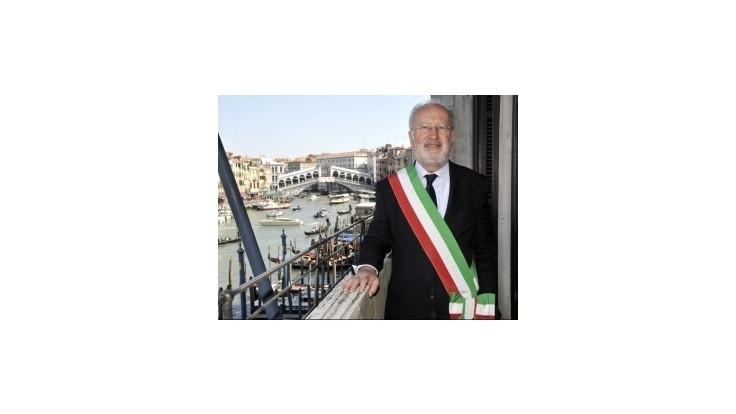 Starostu Benátok zatkli pre podozrenia z korupcie