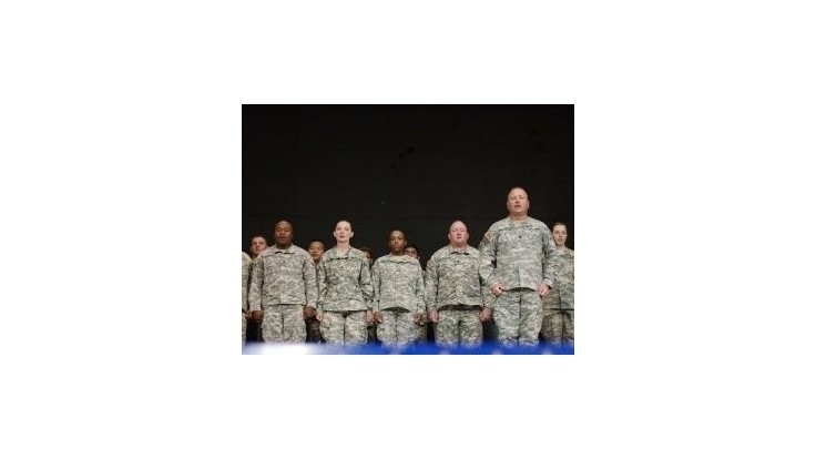 NATO chce v Afganistane ponechať približne 12 000 vojakov