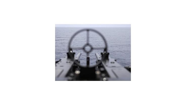 Do Perzského zálivu vplávala ďalšia vojenská loď
