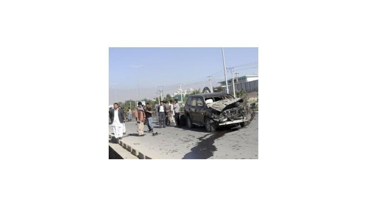 Terčom samovražedného atentátu v Afganistane mal byť vládny úradník