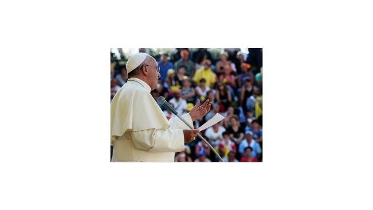 Pápež František sa stretol s obeťami pedofilných kňazov