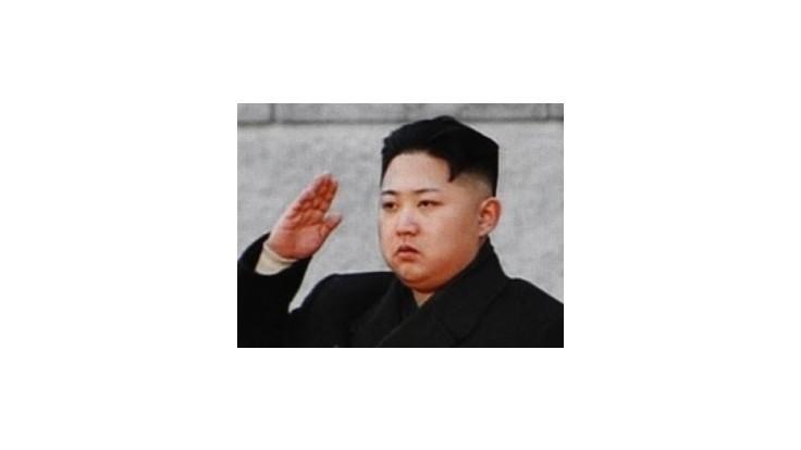Severokórejská televízia priniesla zábery krívajúceho Kim Čong-una
