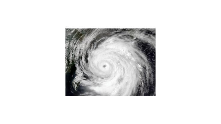Tajfún Neoguri Tokio ušetril, smeruje na severovýchod
