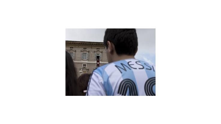 Pápež František organizuje charitatívny zápas, príde aj Messi