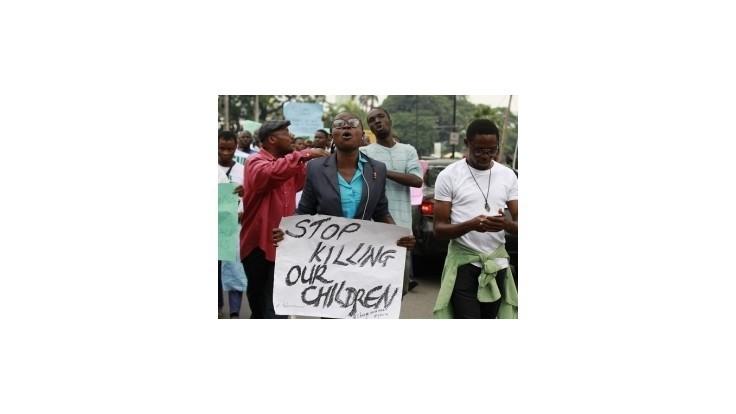 Pri dvoch bombových útokoch v Nigérii zahynulo najmenej 82 ľudí