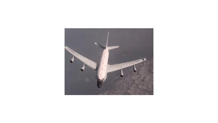 Americké špionážne lietadlo uniklo pred ruskou stíhačkou do Švédska
