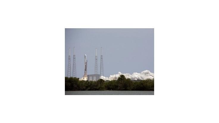 SpaceX vybuduje v Texase prvú štartovaciu rampu pre komerčné lety do kozmu