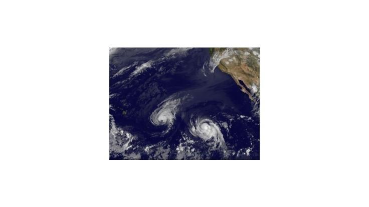 Búrka Julio zosilnela na hurikán, smeruje k Havajským ostrovom