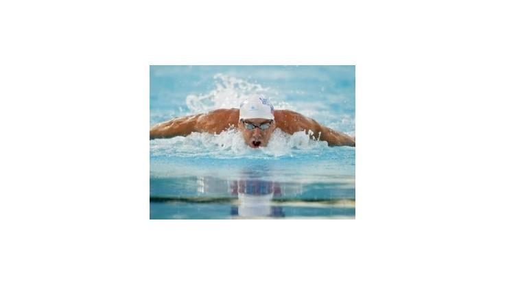 Phelpsovi unikol titul na obľúbenej trati o jednu stotinu