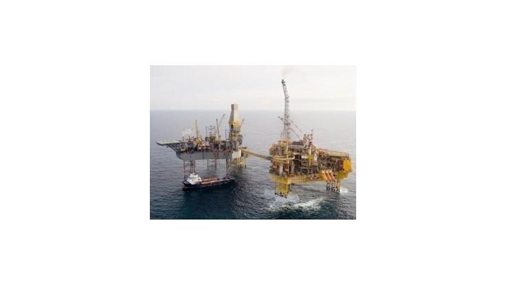Rosnefť a ExxonMobil začali s pokusnými vrtmi v Karskom mori
