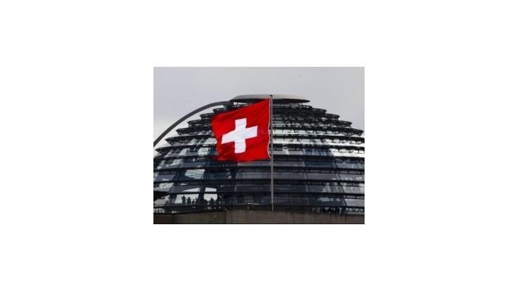 Švajčiarsko rozšíri zákaz exportu do Ruska a na Ukrajinu