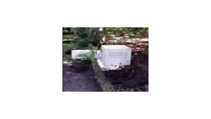 Banderov hrob v Mníchove našli poškodený