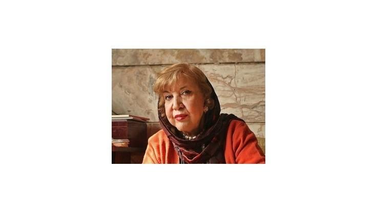 Zomrela poetka Símín Behbaháníová, bojovníčka za slobodu žien