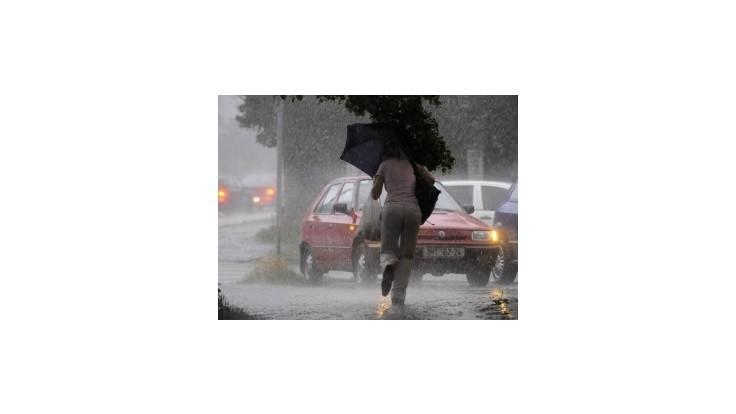 Polovicu Slovenska čaká dnes a vo štvrtok dážď