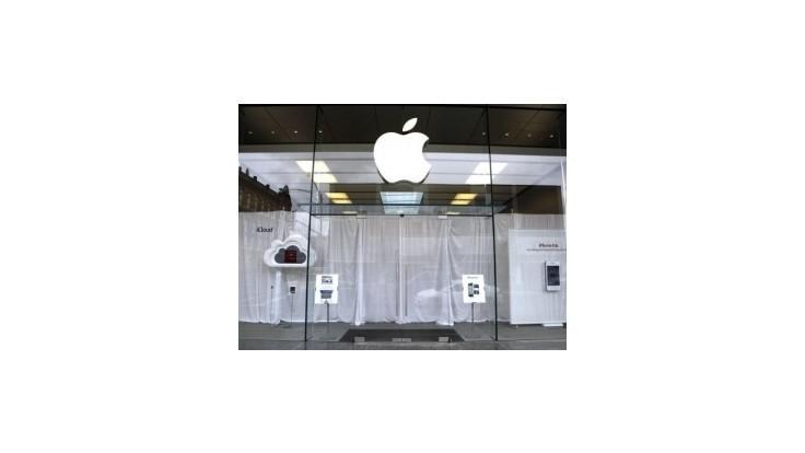 Akcia Apple posilnila na nový rekord, hodnota firmy predstavuje 600 mld. USD