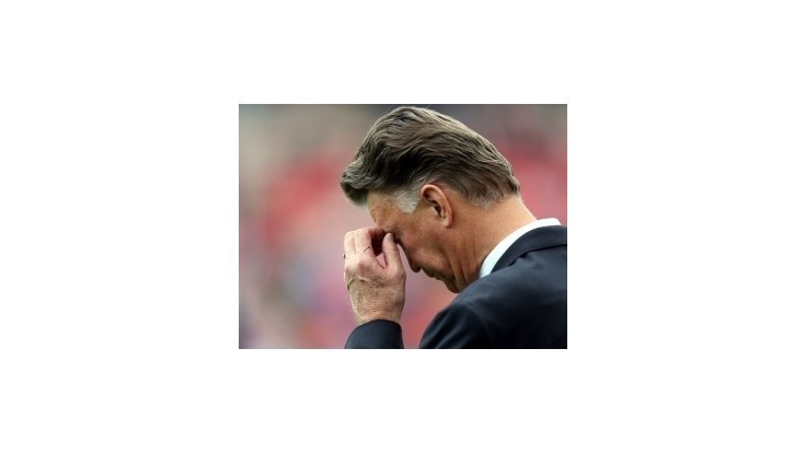 Van Gaal sa s United trápi, prehral aj s treťoligistom