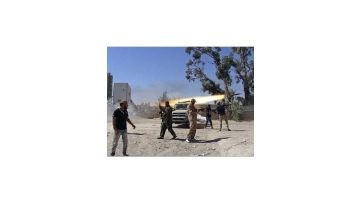 Líbyjskí islamisti obsadili americké veľvyslanectvo