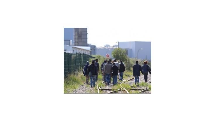 Starostka Calais chce kvôli migrantom zavrieť prístav