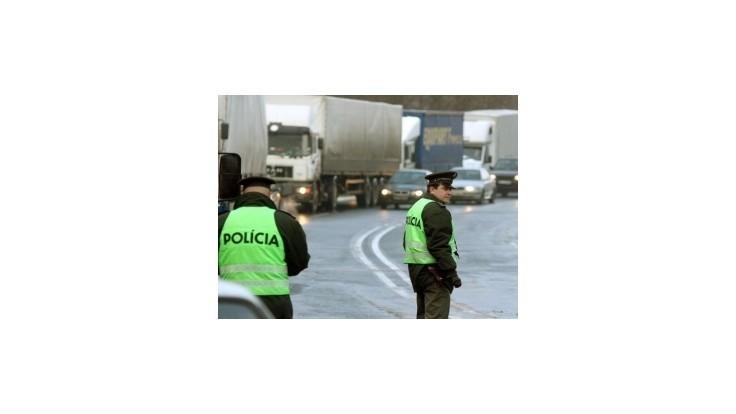 Na cestách klesol počet nehôd aj obetí