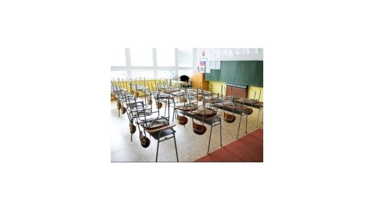 Školy dostanú všetkých asistentov, o ktorých žiadali
