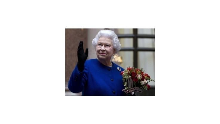 Kráľovná sa nezapojí do debaty o odtrhnutí Škótska