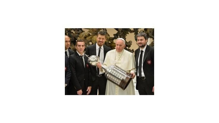 San Lorenzo pomenuje nový štadión po pápežovi