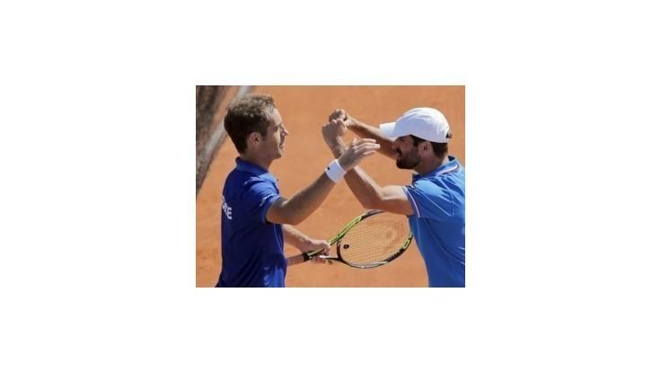 Francúzi a Švajčiari na prahu finále Davisovho pohára