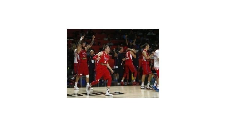 Vo finále vyzvú favorita USA Srbi po triumfe nad Francúzskom